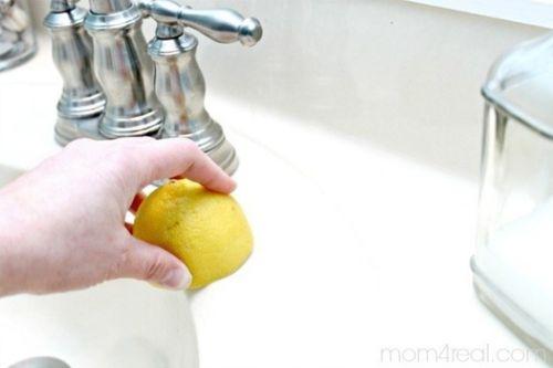 Mẹo đơn giản nhưng hiệu quả làm sạch nhà tắm của bạn - Ảnh 6