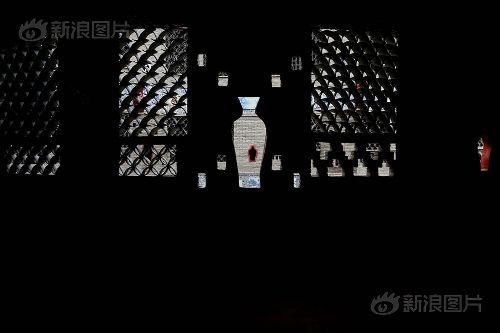 Ngắm cung điện gốm sứ có 1 - 0 - 2 trị giá 20 tỷ của bà cụ 86 tuổi - Ảnh 11
