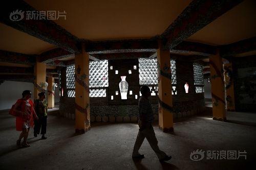 Ngắm cung điện gốm sứ có 1 - 0 - 2 trị giá 20 tỷ của bà cụ 86 tuổi - Ảnh 13