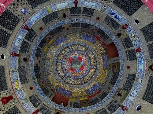 Ngắm cung điện gốm sứ có 1 - 0 - 2 trị giá 20 tỷ của bà cụ 86 tuổi - Ảnh 8