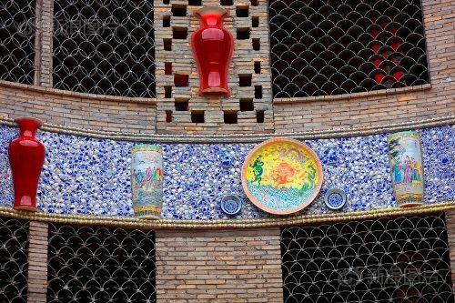 Ngắm cung điện gốm sứ có 1 - 0 - 2 trị giá 20 tỷ của bà cụ 86 tuổi - Ảnh 10