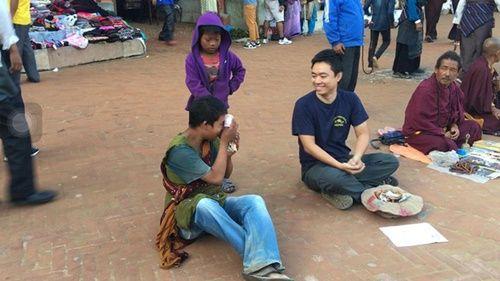 Du khách Việt Nam thử đóng vai ăn xin ở Nepal và kết quả thật bất ngờ - Ảnh 7