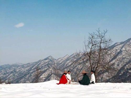 Chuyện thật như đùa: Đôi vợ chồng lên núi sống như phim kiếm hiệp - Ảnh 15
