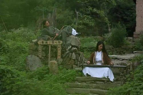Chuyện thật như đùa: Đôi vợ chồng lên núi sống như phim kiếm hiệp - Ảnh 6