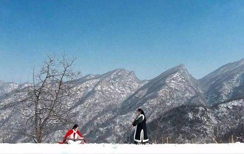 Chuyện thật như đùa: Đôi vợ chồng lên núi sống như phim kiếm hiệp - Ảnh 7