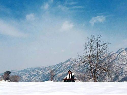 Chuyện thật như đùa: Đôi vợ chồng lên núi sống như phim kiếm hiệp - Ảnh 9