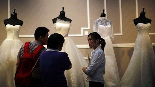 """""""Thợ săn nhân tình"""" ở Trung Quốc và nhiệm vụ giải cứu cuộc hôn nhân - Ảnh 1"""