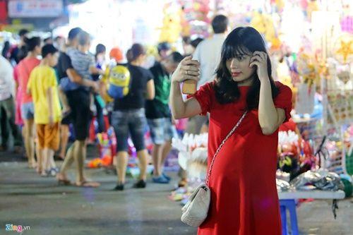 Giới trẻ đánh mất bản sắc Trung thu Việt trên đường phố - Ảnh 6