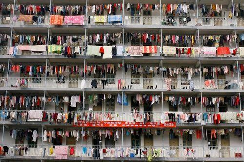 Những hình ảnh chen chúc 'đáng sợ' thường ngày ở đất nước đông dân nhất thế giới - Ảnh 8