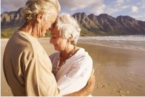 Nếu muốn sống lâu hơn, hãy lấy vợ thông minh - Ảnh 1