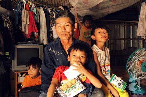 Những đứa trẻ thả ước mơ vào dòng kênh ô nhiễm ngày khai trường - Ảnh 12