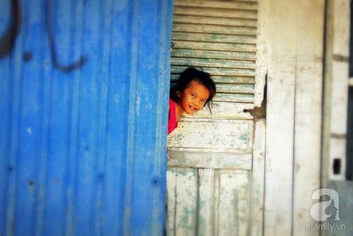 Những đứa trẻ thả ước mơ vào dòng kênh ô nhiễm ngày khai trường - Ảnh 10
