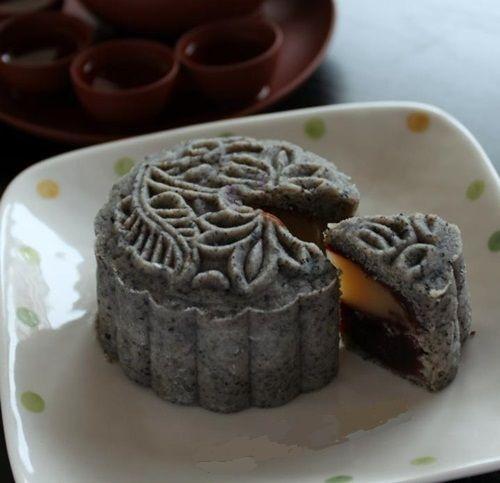 Bánh trung thu mè đen nhân hạt sen đậu đỏ - vừa ngon vừa tốt cho sức khỏe - Ảnh 6
