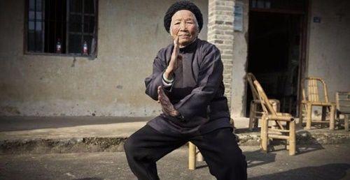 Cụ bà U100 vẫn hàng ngày luyện võ trong suốt 90 năm - Ảnh 1