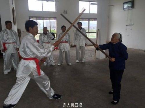 Cụ bà U100 vẫn hàng ngày luyện võ trong suốt 90 năm - Ảnh 4