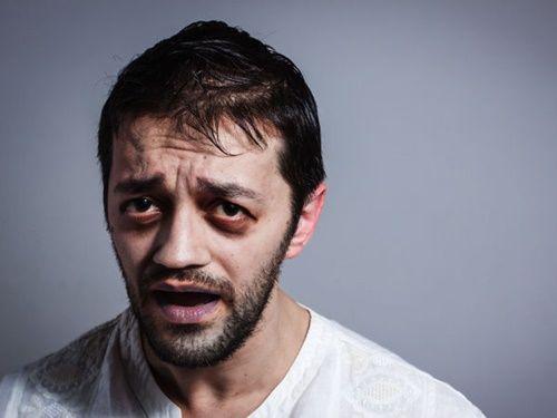 Những biểu hiện trên gương mặt chứng tỏ bạn đang thiếu chất trầm trọng - Ảnh 1