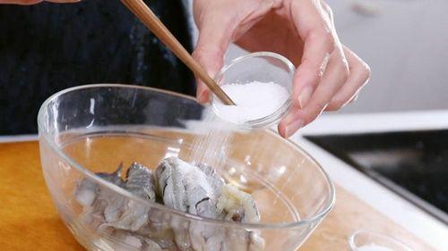 Làm cơm chiên tôm dứa kiểu Thái lạ miệng, thơm ngon - Ảnh 3