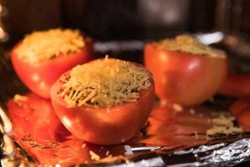 Hấp dẫn món cà chua nướng nhồi ớt chuông và diêm mạch - Ảnh 8
