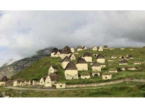 Bí ẩn ngôi làng nơi không có ai còn sống - Ảnh 3