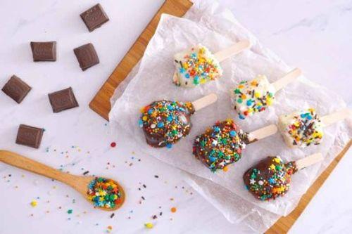 """Tự làm món kem chuối sô cô la """"sống ảo"""" đầy màu sắc tại nhà - Ảnh 4"""