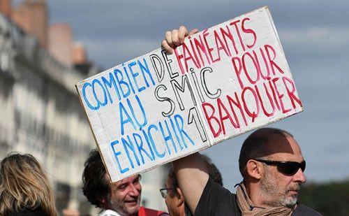 Mất lòng giới truyền thông, Tổng thống Macron bị người Pháp phản đối vì những lời nói ngạo mạn - Ảnh 3