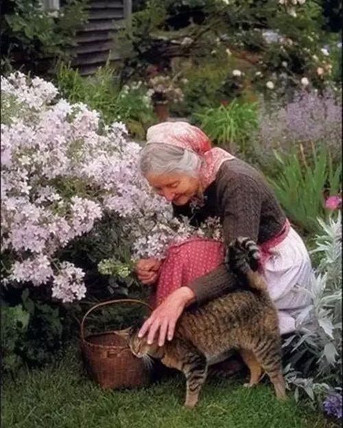 Cuộc sống thần tiên của nữ họa sĩ 92 tuổi  - Ảnh 24