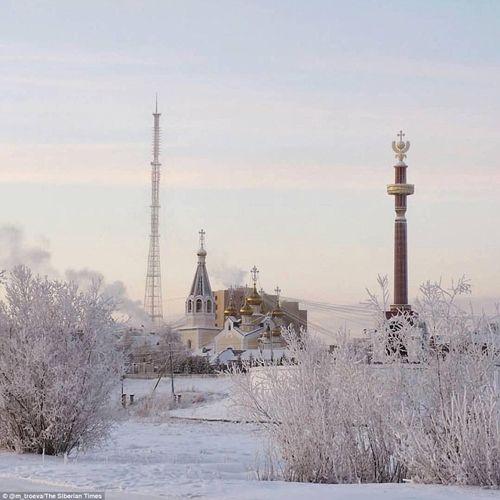 Tò mò cuộc sống tại ngôi làng lạnh nhất thế giới: Vừa ra đường, lông mi đã đóng băng - Ảnh 4