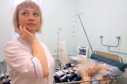 Giật mình nhân viên y tế khoe ảnh phản cảm trong phòng mổ - Ảnh 13