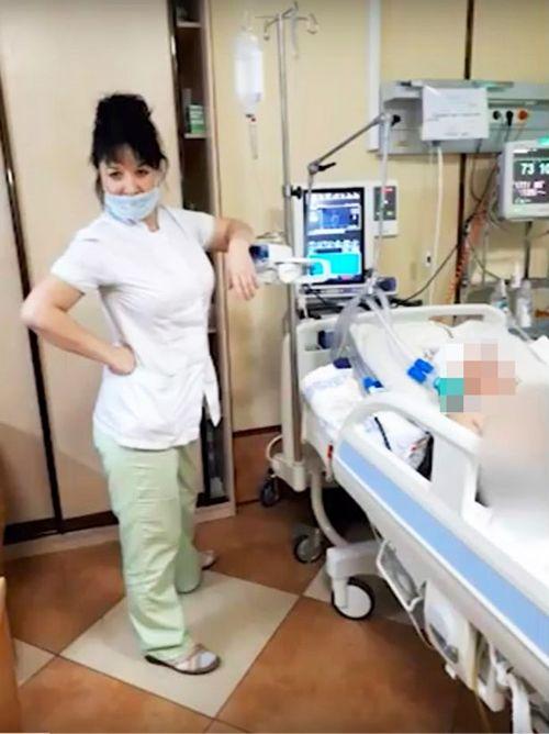 Giật mình nhân viên y tế khoe ảnh phản cảm trong phòng mổ - Ảnh 3