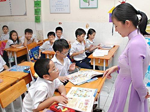 Bộ giáo dục: Đang thừa giáo viên THCS, thiếu giáo viên tiếng Anh-Tin học - Ảnh 1