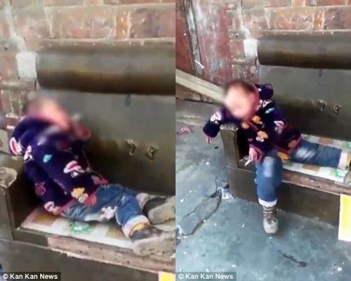 Đứa trẻ 4 tuổi nghiện thuốc lá 2 năm, phì phèo hút sành điệu - Ảnh 2