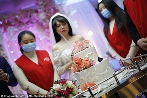 Xúc động đám cưới không chú rể, cô dâu đăng ký hiến tạng sau khi cởi áo cưới - Ảnh 3