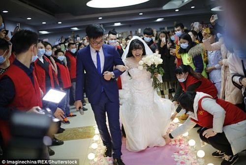 Xúc động đám cưới không chú rể, cô dâu đăng ký hiến tạng sau khi cởi áo cưới - Ảnh 2