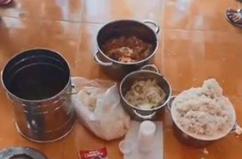 Công an điều tra vụ trường mầm non cho trẻ ăn gạo mốc, đầu cá - Ảnh 1