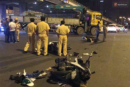 Hiện trường vụ nữ tài xế BMW say xỉn đâm 5 xe máy ở Sài Gòn - Ảnh 3