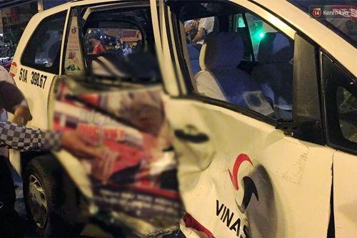 Hiện trường vụ nữ tài xế BMW say xỉn đâm 5 xe máy ở Sài Gòn - Ảnh 7