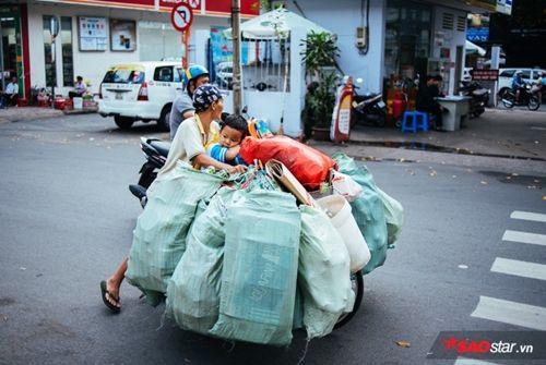 Từ bức ảnh gây bão mạng tới đời thực của hai mẹ con cậu bé trên chiếc xe chở đầy ve chai - Ảnh 2