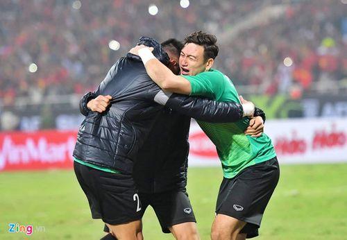 Bức thư đầy xúc động của mẹ Văn Lâm gửi người hâm mộ Việt Nam sau chiến thắng AFF Cup 2018 - Ảnh 1
