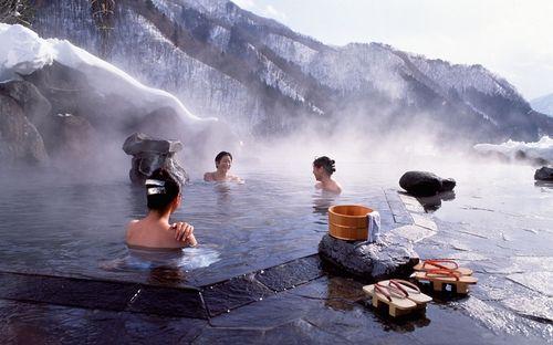 Cách tắm chuẩn vào mùa đông vừa đảm bảo sức khỏe lại không khô da, mẩn ngứa - Ảnh 1