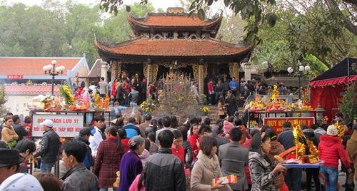 Những đền chùa linh thiêng cho dịp đi lễ đầu năm ở miền Bắc - Ảnh 1