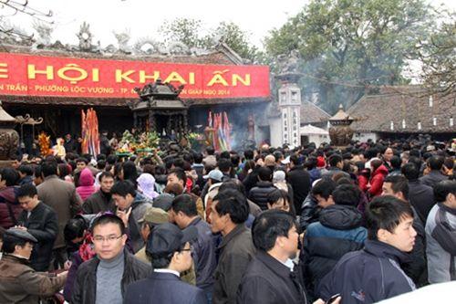 Những đền chùa linh thiêng cho dịp đi lễ đầu năm ở miền Bắc - Ảnh 2
