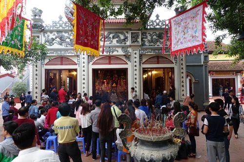 Những đền chùa linh thiêng cho dịp đi lễ đầu năm ở miền Bắc - Ảnh 4