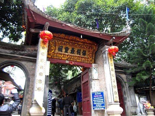 Những đền chùa linh thiêng cho dịp đi lễ đầu năm ở miền Bắc - Ảnh 6