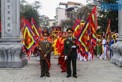 Tưng bừng cờ hoa lễ hội Gò Đống Đa mùng 5 Tết - Ảnh 1