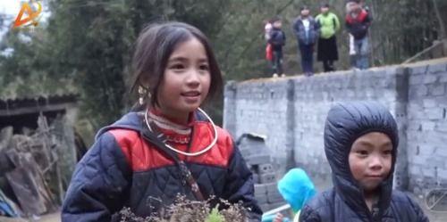 Dân mạng tan chảy trước gương mặt đẹp hút hồn của cô bé người H'Mông - Ảnh 3