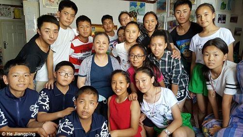 Cảm phục người phụ nữ bị ung thư vú vẫn chăm sóc 109 trẻ mồ côi - Ảnh 6