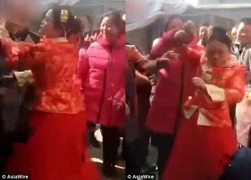 Bị ấn đầu bắt hành lễ, cô dâu tức giận tát khách mời đám cưới 'lật mặt' - Ảnh 2