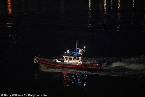 Cận cảnh hiện trường vụ trực thăng rơi ở New York - Ảnh 7