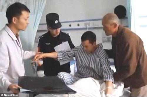 Cảnh sát bị gãy cột sống vì đỡ người nhảy lầu tự tử - Ảnh 5