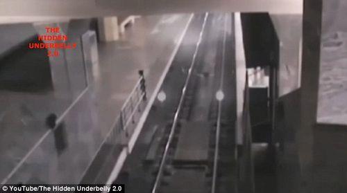 Trung Quốc: Sự thật về đoạn video quay cảnh đoàn 'tàu ma' vào ga gây xôn xao dư luận - Ảnh 2